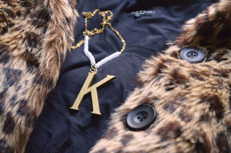 eHow: Monogram Necklace (Inspired by Lulu Frost)