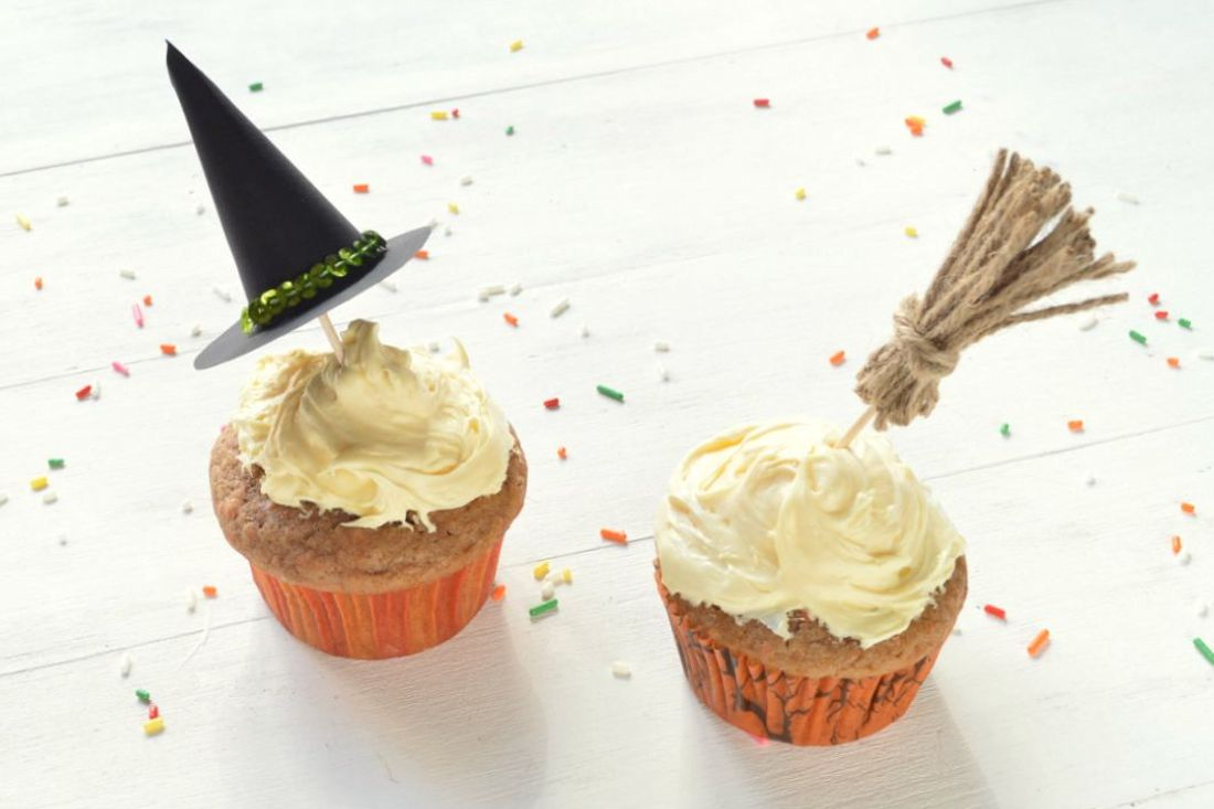 WitchBroomCupcakes 15