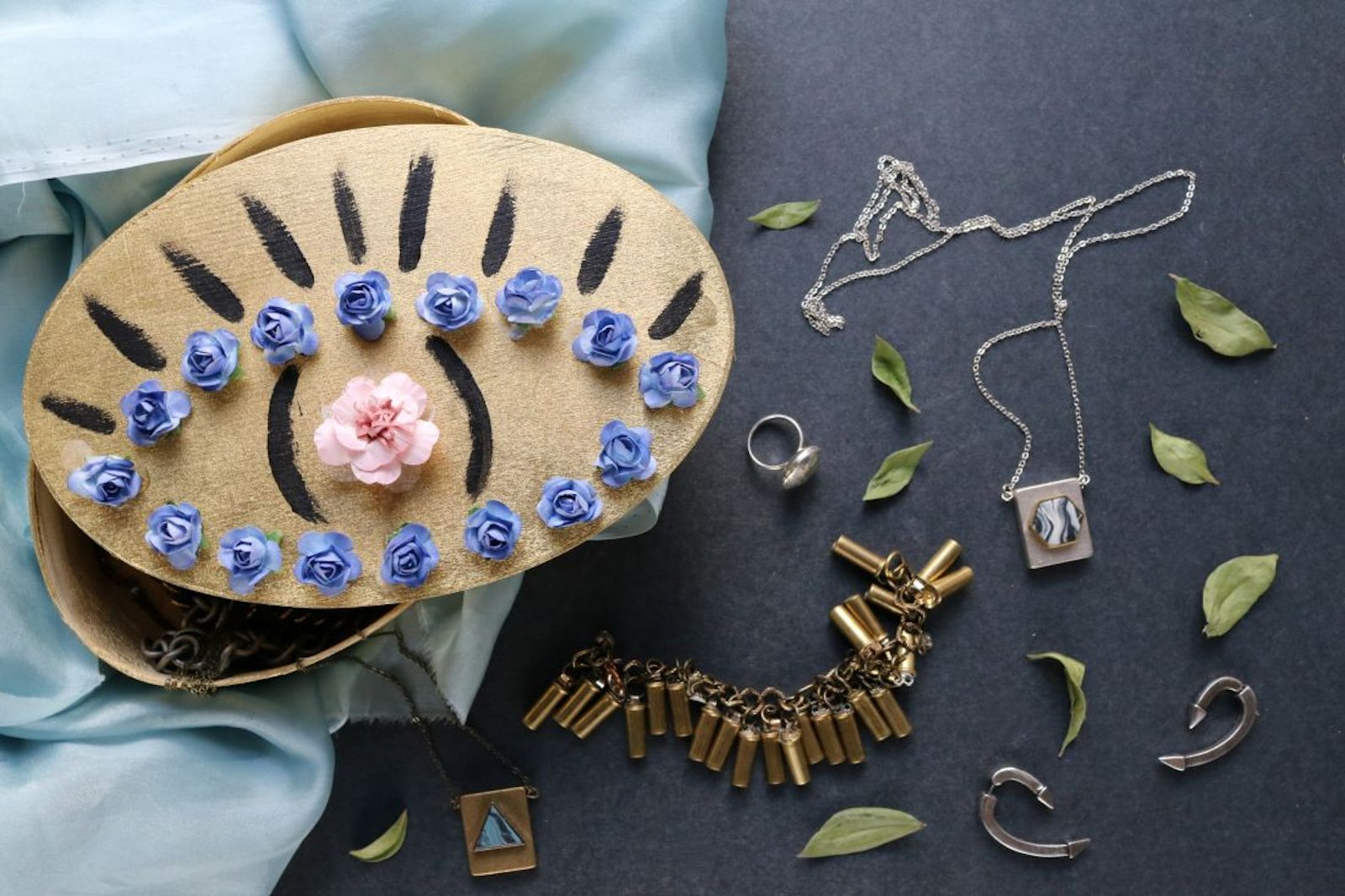 DIY: Floral Trinket Box