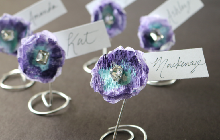 Darice: Crepe Paper Flower Place Cards
