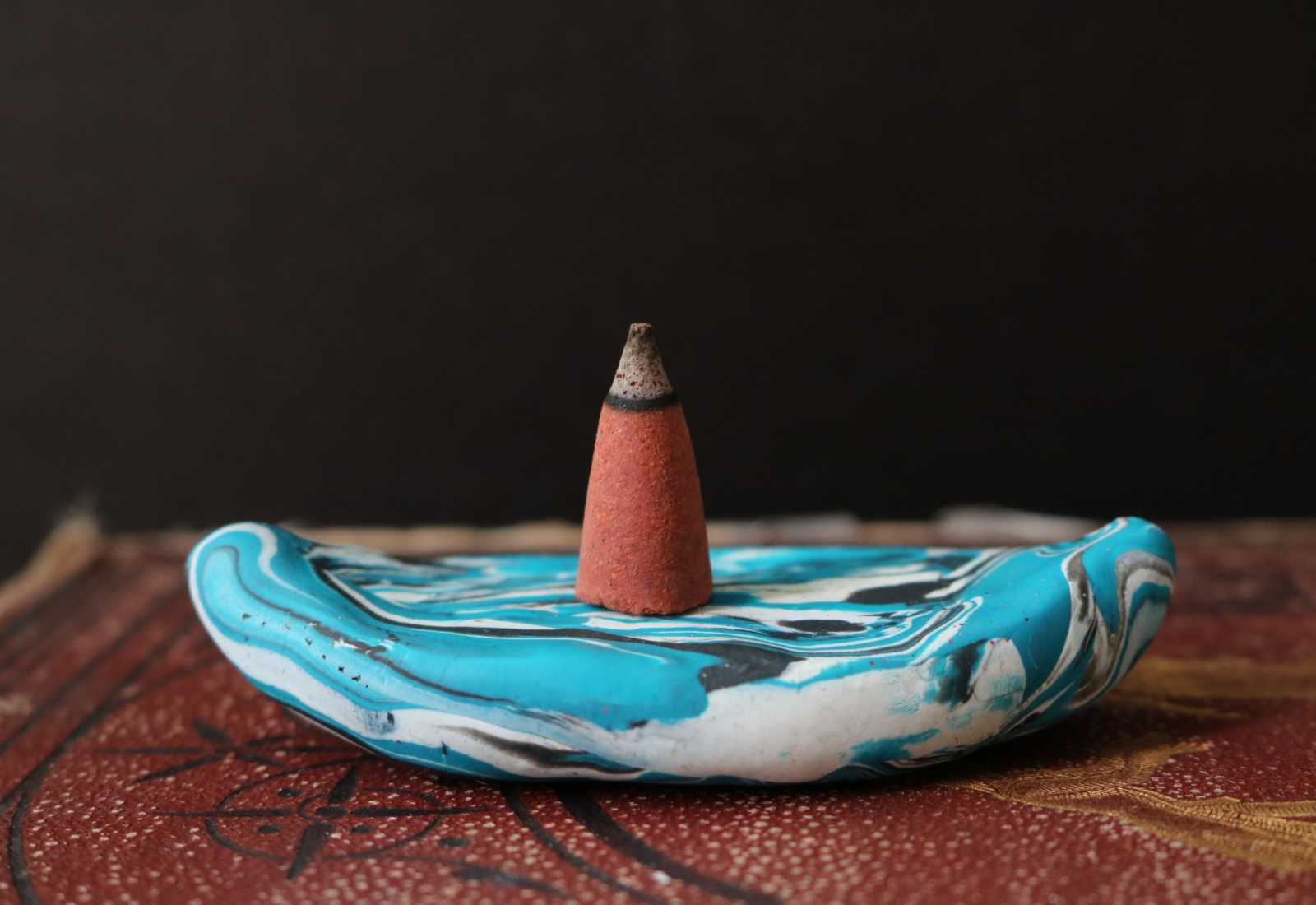DIY: Marbled Incense Cone Holder