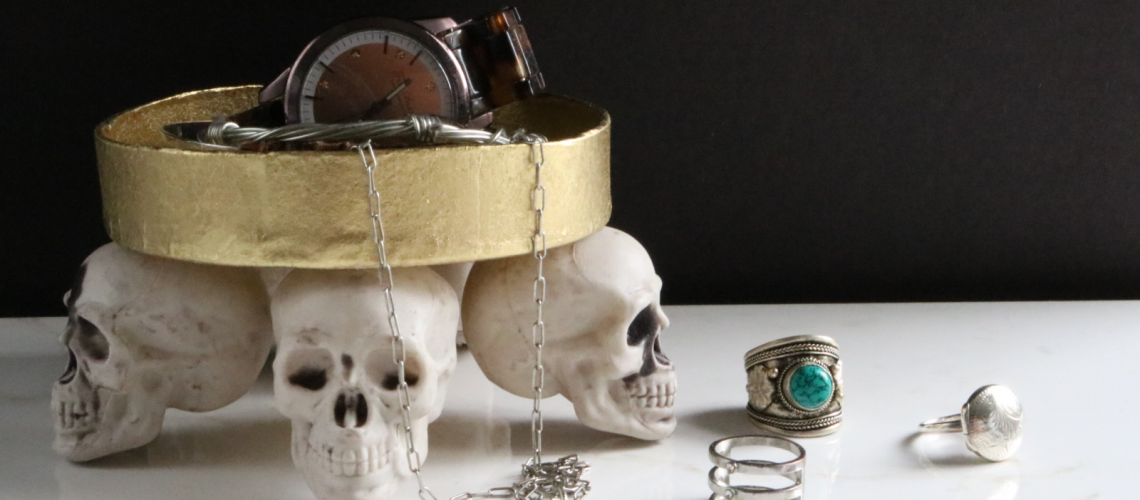Darice: DIY Skull Jewelry Tray