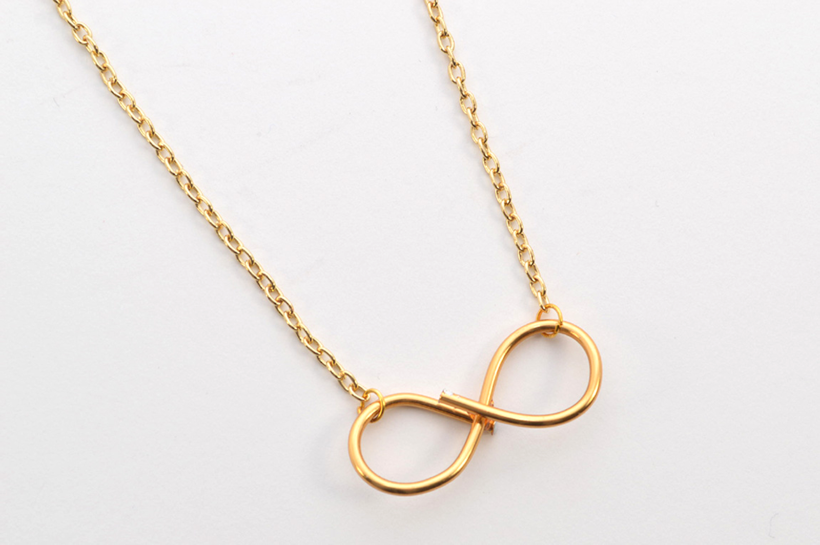 DIY Infinity Necklace