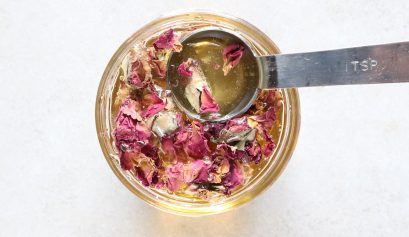 How To Infuse Honey With Rose