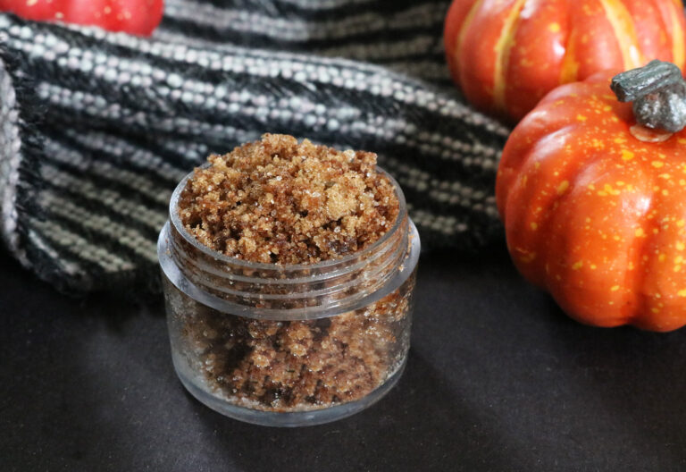 DIY Pumpkin Spice Lip Scrub