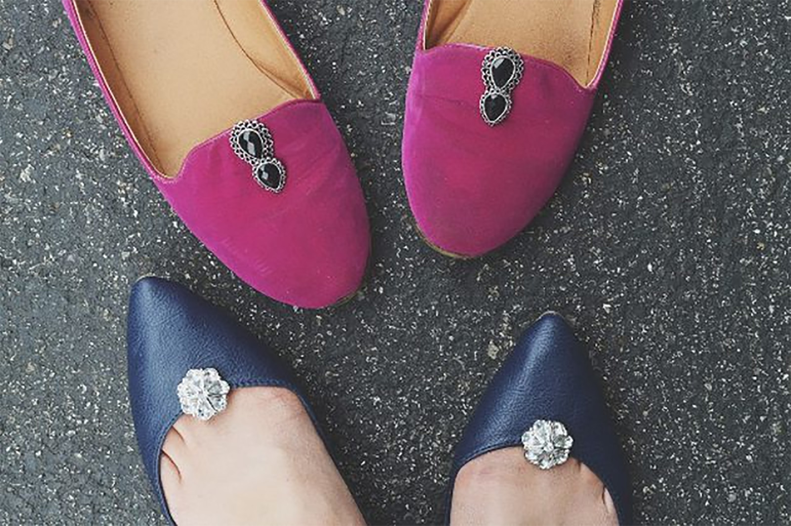 https://www.ehow.com/ehow-style/blog/fancy-feet-dress-up-your-shoes-with-reusable-shoe-clips/